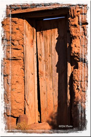 c94-Colonias-Door_2-copy.jpg